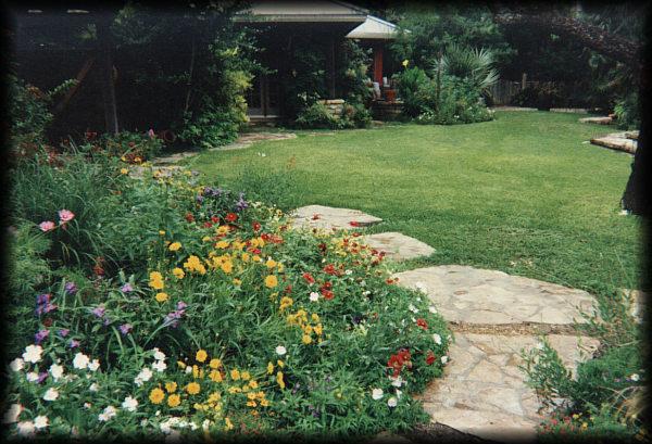 Shows allen landscape architects sample residential for Informal garden designs